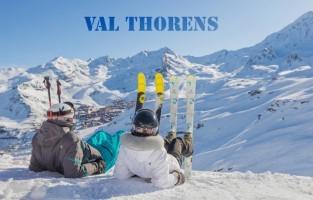 Val Thorens: een skigebied dat niet veel extra uitleg nodig heeft. Val Thorens, het hoogste Europese skioord, maakt deel uit van Les 3 Vallées, het grootste skigebied ter wereld met meer dan 600 km skipistes. Omdat de ski-ervaring er optimaal is, zet het gebied deze winter volop in op de après-skibeleving. Zo opent er het nieuwe 4-sterrenhotel Fahrenheit Seven 4 en vormt La Datcha de allereerste ecologisch gebouwde luxueuze B&B. Le Crewzer moet dan haast weer de gezelligste après-skibar alias stamkroeg zijn en wie zelf zijn gastronomisch hoogstaand potje wil leren koken kan dat eens per maand bij La Maison brasserie. Kwestie van wat afwisseling tijdens het skiën. www.valthorens.com