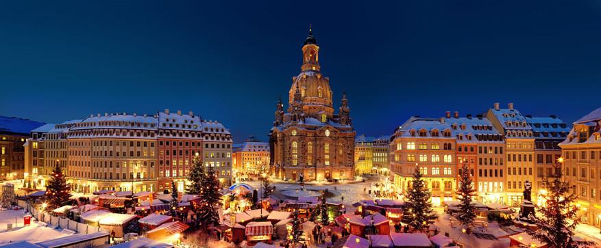 De 'Striezelmarkt' in Dresden is de oudste kerstmarkt van Duitsland