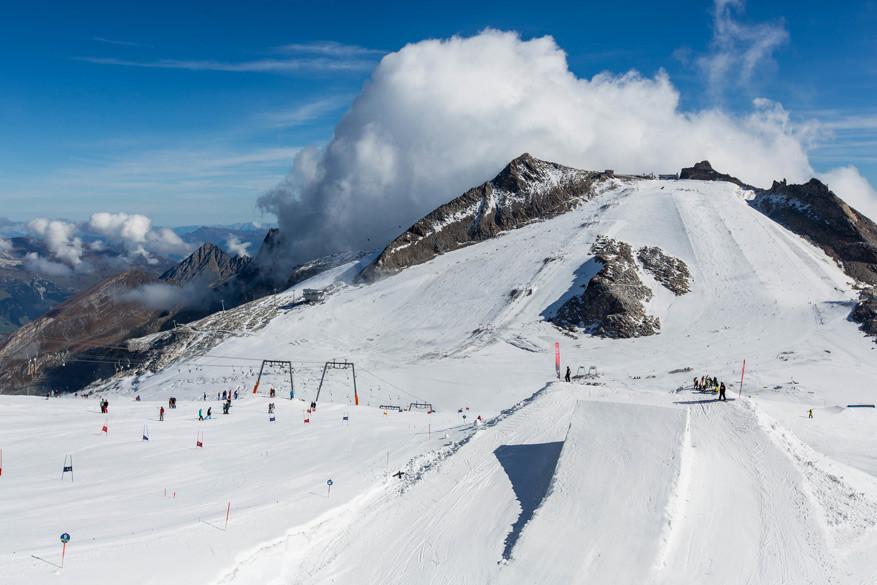Heel het jaar door skiën kan op de Hintertuxer Gletscher