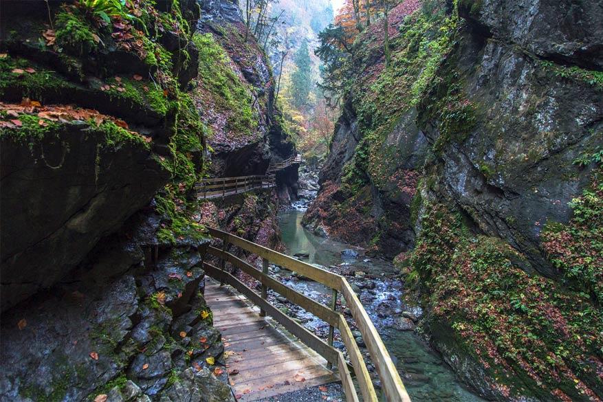 Wandelen langs de Alploch