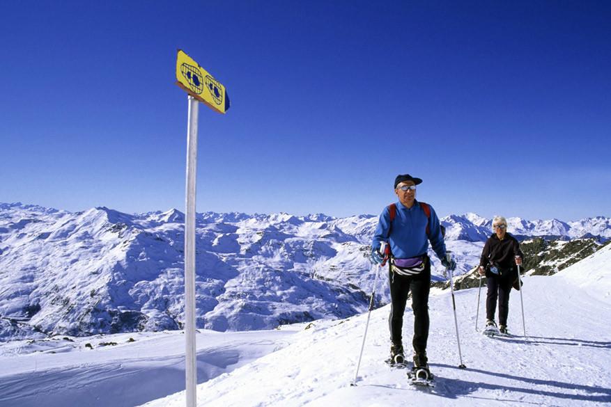 Naast skiën en langlaufen kun je ook sneeuwschoenwandelen in de Queyras © Atout France / Jean François Tripelon-Jarry