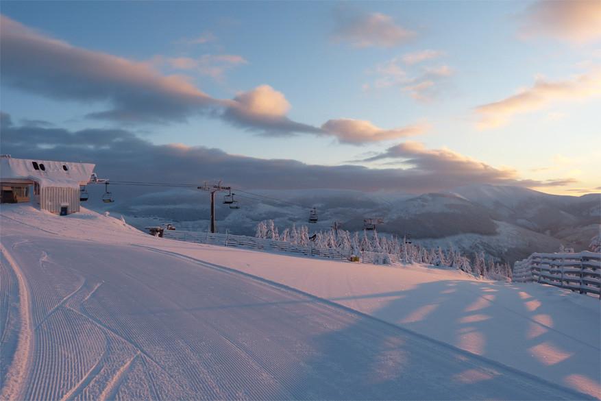 Wie een skiën beu is, bereikt snel en gemakkelijk een stad voor een uitstapje © CzechTourism