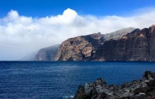 6. Drinkbaar regenwater: op de Canarische Eilanden kun je het water drinken dat uit de lucht valt. Dit drinkbare regenwater, genaamd Agua de Niebla, wordt op 1.600 meter hoogte opgevangen in speciale mistcollectoren. © Pixabay