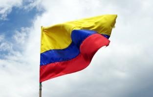 Colombia: een traditie voor echte reizigers want Colombianen die hopen op een jaar vol mooie reizen, rennen om twaalf uur een blokje om met hun (lege) koffer. © Jean-Marie Prival via Flickr Creative Commons