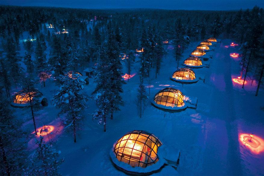 Thermisch glas voorkomt dat de iglo aanvriest voor het beste uitzicht. © Visit Finland