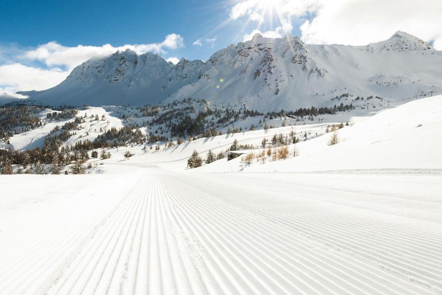 Op aangepaste skipistes kunnen beginnen hun eerste stappen zetten in ski en snowboard freestyle.