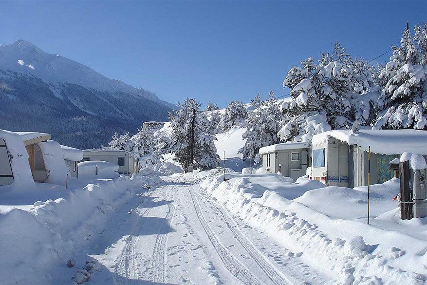 In alle populaire skigebieden in Frankrijk vind je wintercampings. © Savoie Mont-Blanc