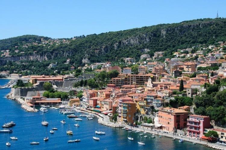 Villefranche-sur-Mer, Frankrijk: de voornaamste reden waarom deze haven in het lijstje staat is omwille van haar charme. Dit Franse kuststadje strekt zich uit tussen de zee en het kustgebergte van Zuid-Frankrijk. Bovendien geniet de Franse Rivièra, ook wel Côte d'Azur genoemd, een onberispelijke reputatie. Niet alleen voor de 'rich and famous', maar ook voor de bon vivant die op zoek is naar een stukje ongerepte natuur. © Pixabay