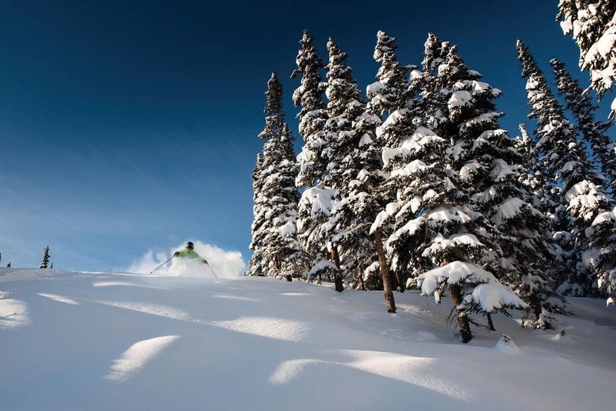 Jasper National Park is dé plek om de sneeuw te trotseren in Canada.