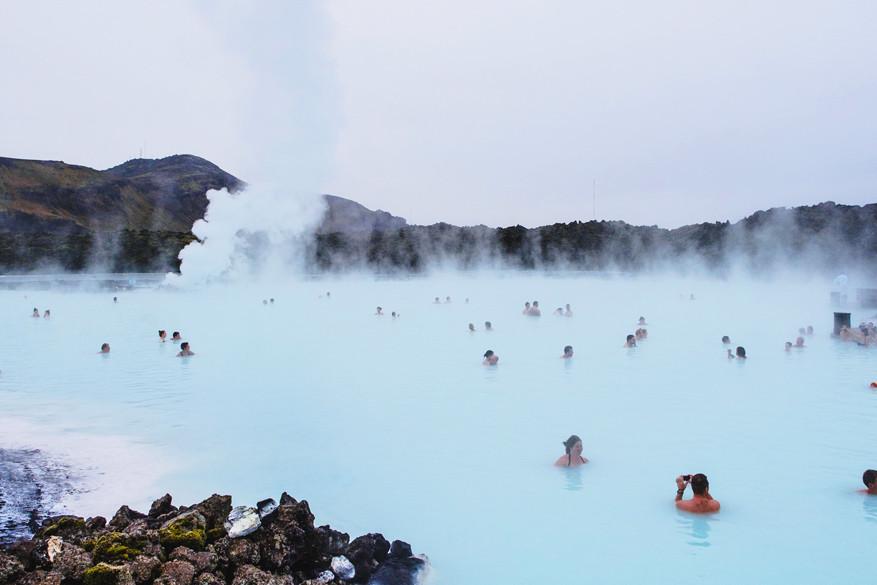 De beste warmwaterbron volgens de locals blijft Blue Lagoon. © Pixabay