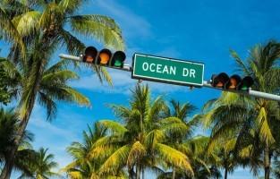 Fort Lauderdale in Miami: wie naar Miami reist kan niet alleen geld besparen door op Fort Lauderdale te vliegen. Blijf ook gewoon lekker in deze stad logeren: het is er veel voordeliger en zo kan je af en toe ook eens ontsnappen aan het bruisende nachtleven van Miami. © GF