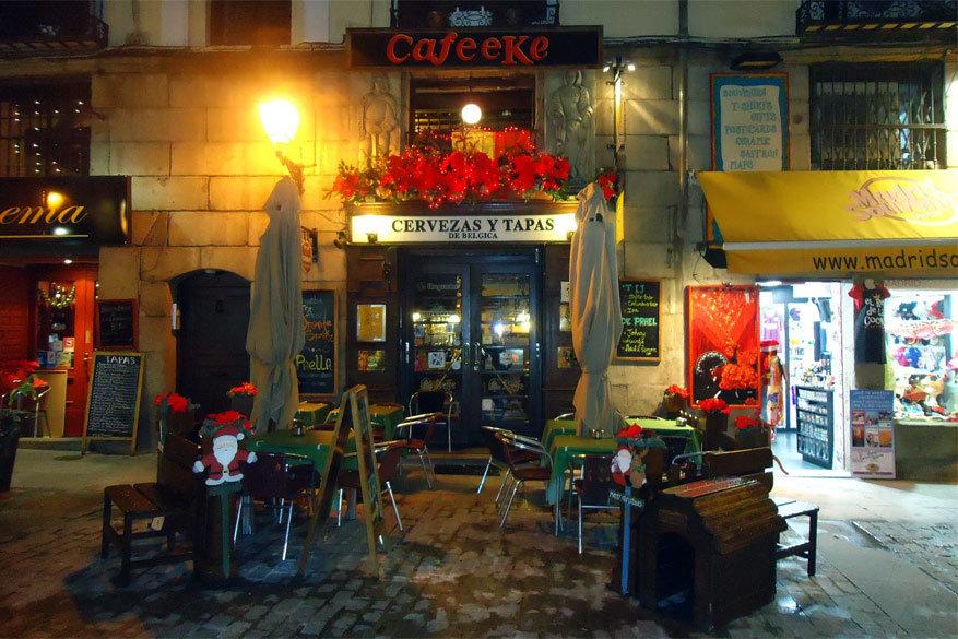 Een mooi voorbeeld uit de reisgids van Erik Brusten: het Cafeeke in Madrid. © Explorando Madrid 2013