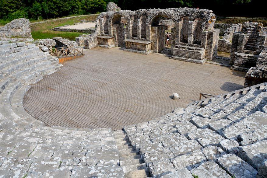 Sarandë heeft archeologisch heel wat te bieden © Dominiek Druart
