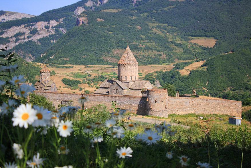 Het klooster van Tatev, enkel te bereiken met de langste kabelbaan ter wereld.