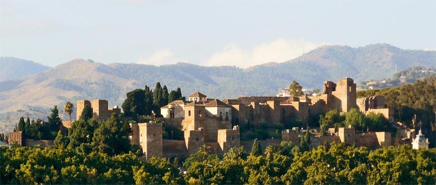 Het paleis-fort Alcazaba © Wikimedia Commons