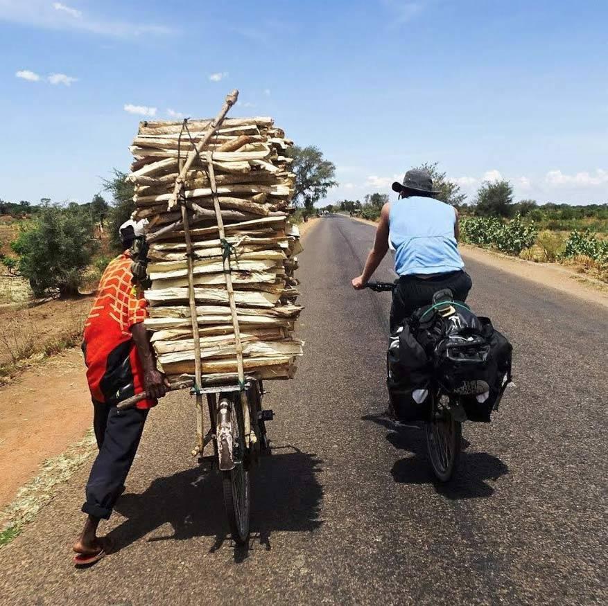 Raak vertrouwd met de culturen en gewoonten van de lokale bevolking. © Bikester