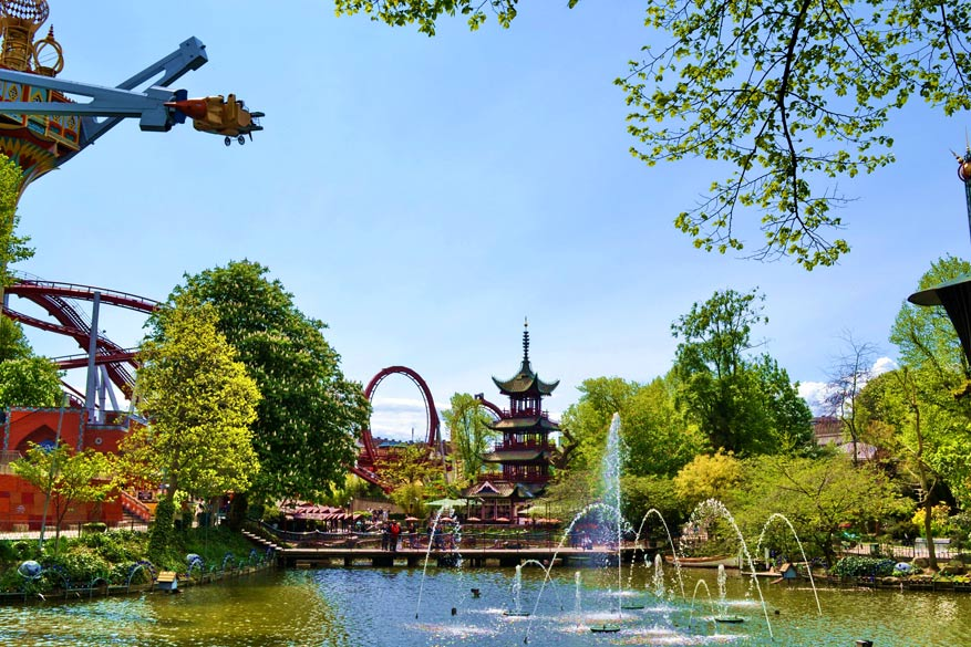 In de Tivoli Tuinen ontspan je door de natuur en de attracties.