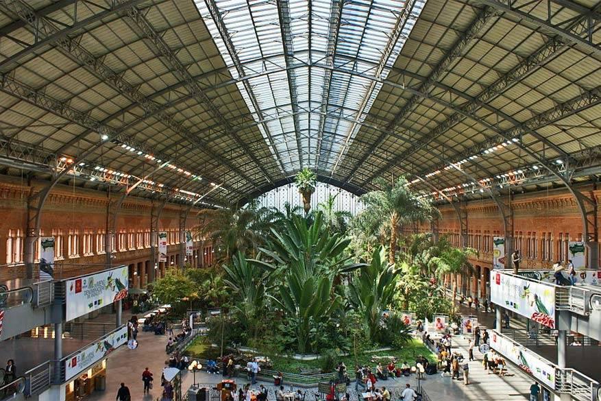 Een stukje botanische tuin in het Atocha Station. © Wikimedia Commons