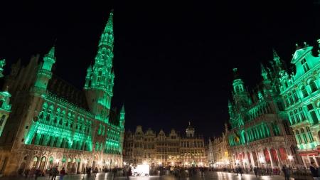 8 Belgische monumenten kleuren groen voor Saint-Patrick's Day