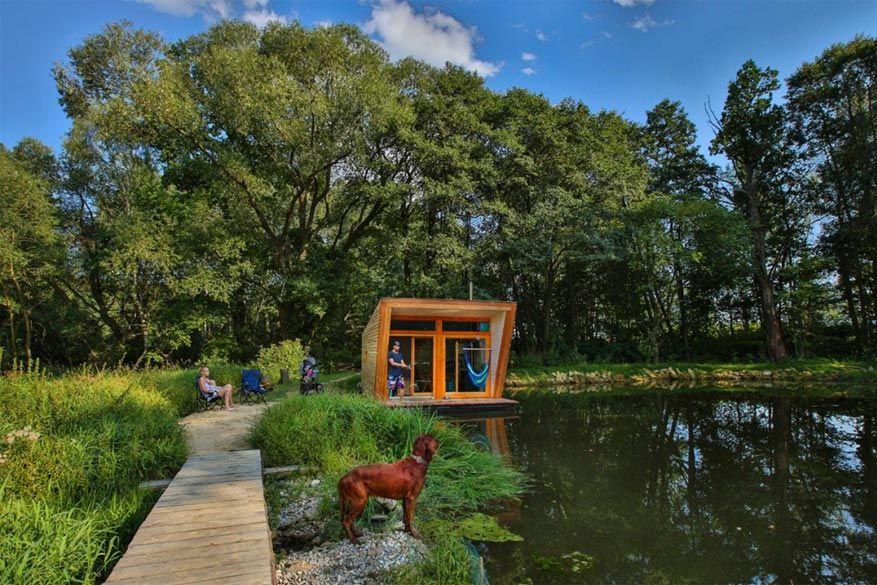 Uitrusten van alle drukte gaat makkelijk in de volle natuur op deze camping! © The Ponds of Dobčice