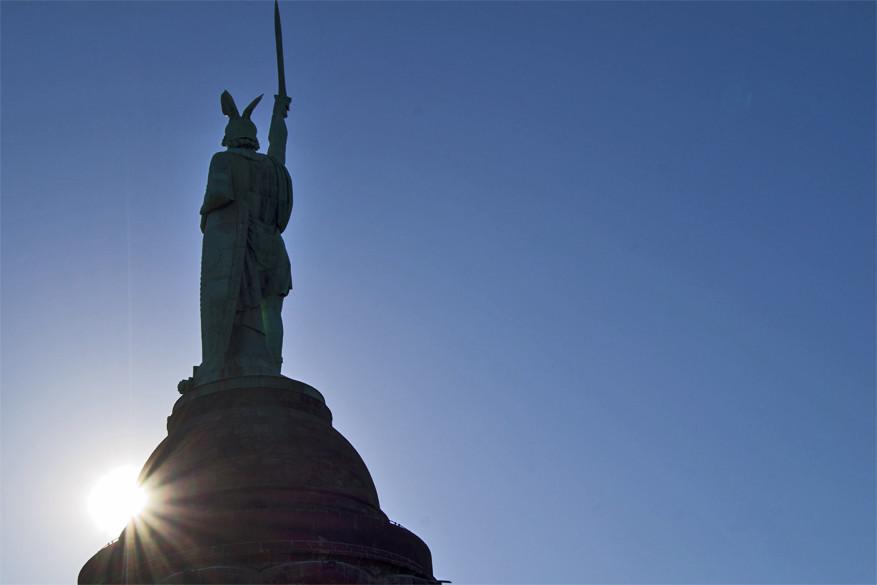 Het 53 meter hoge Hermanssdenkmal. © Wikimedia Commons