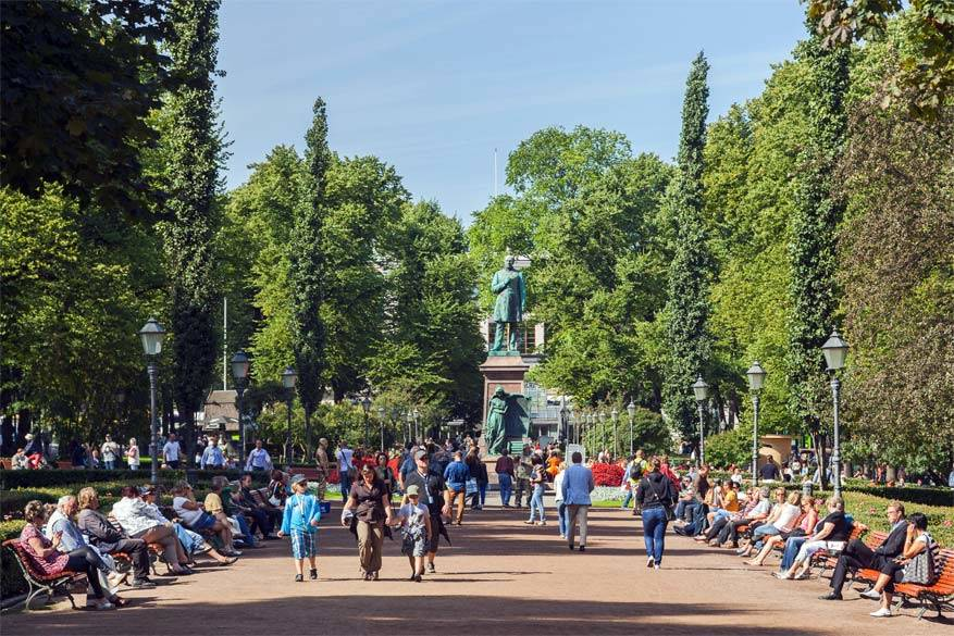 In het Esplanadi-park gaan regelmatig gratis concerten door. © Wikimedia Commons