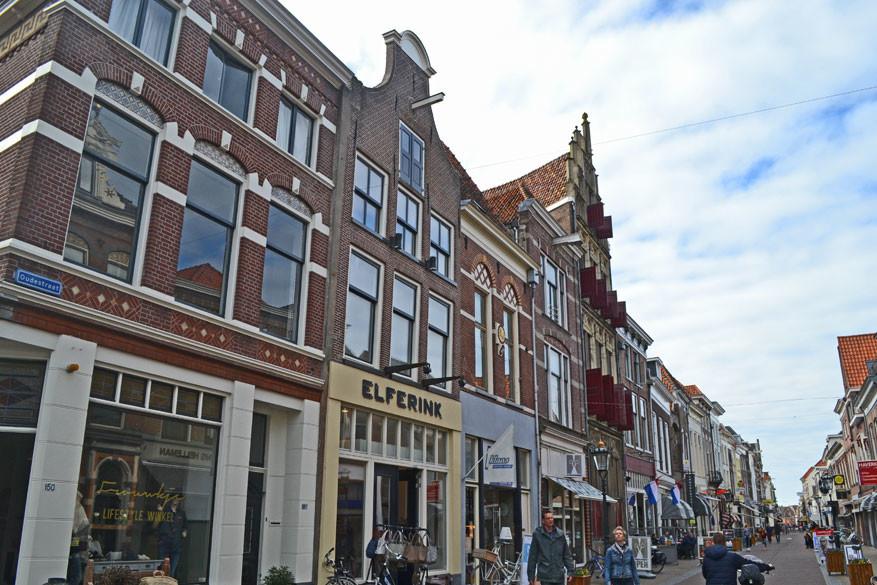 De Oudestraat: langste winkelstraat van Nederland.