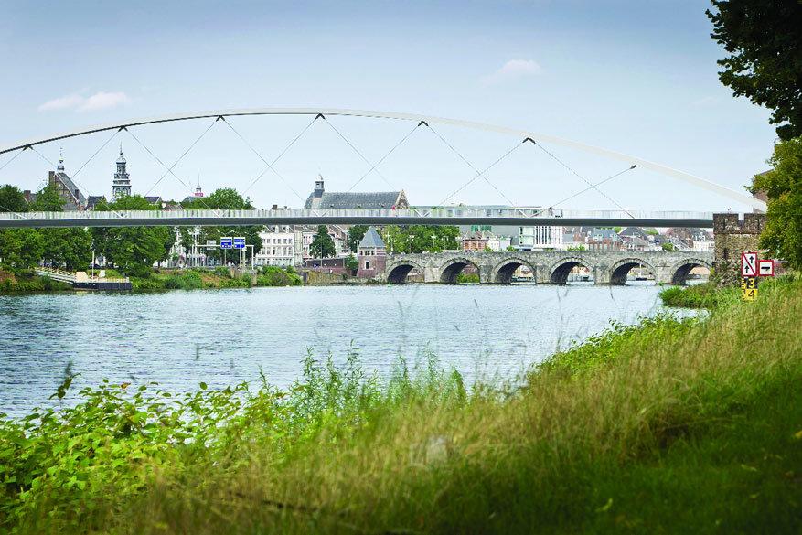 Bezoek Maastricht en mis zeker een rondvaart op de Maas niet! © Visit Holland