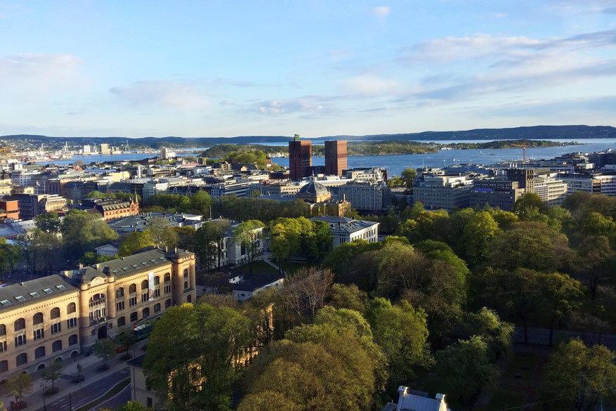 Sommige plekjes in het Ekeberg-beeldenpark leveren mooie uitzichten op op de stad.