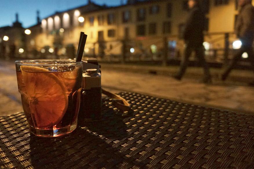 Voor de prijs van een drankje smul je tijdens aperitivo van allerhande snacks. © jedydjah via Flickr Creative Commons