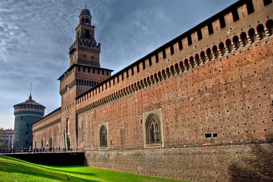 Bezoek het Castello Sforzesco met zijn musea op bepaalde dagen gratis. © maesk via Flickr Creative Commons
