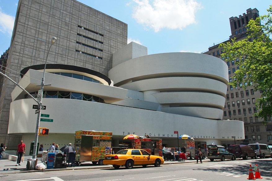 Het Solomon R. Guggenheim Museum stelt meesterwerken van Picasso tentoon.