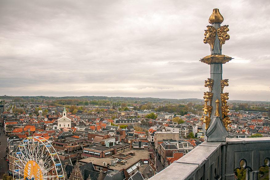 Het beste uitzicht over Haarlem heb je op de Sint-Bavokerk.