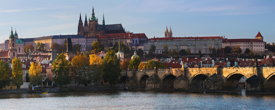 Binnen Praag geraak je overal vlot met het openbaar vervoer.
