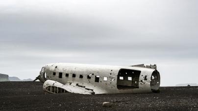Bestemming niet bereikt: 10 vliegtuigwrakken op fotogenieke plaatsen