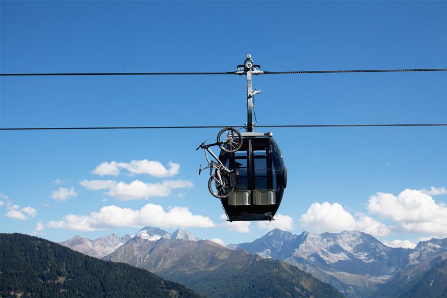 Je fiets neem je overal mee, zelfs op de bergbanen! © Tirol Werbung