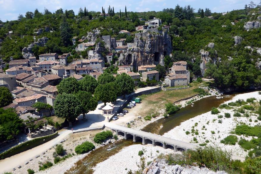 Pittoreske dorpjes zijn de stokpaardjes voor de Ardèche en de Drôme.
