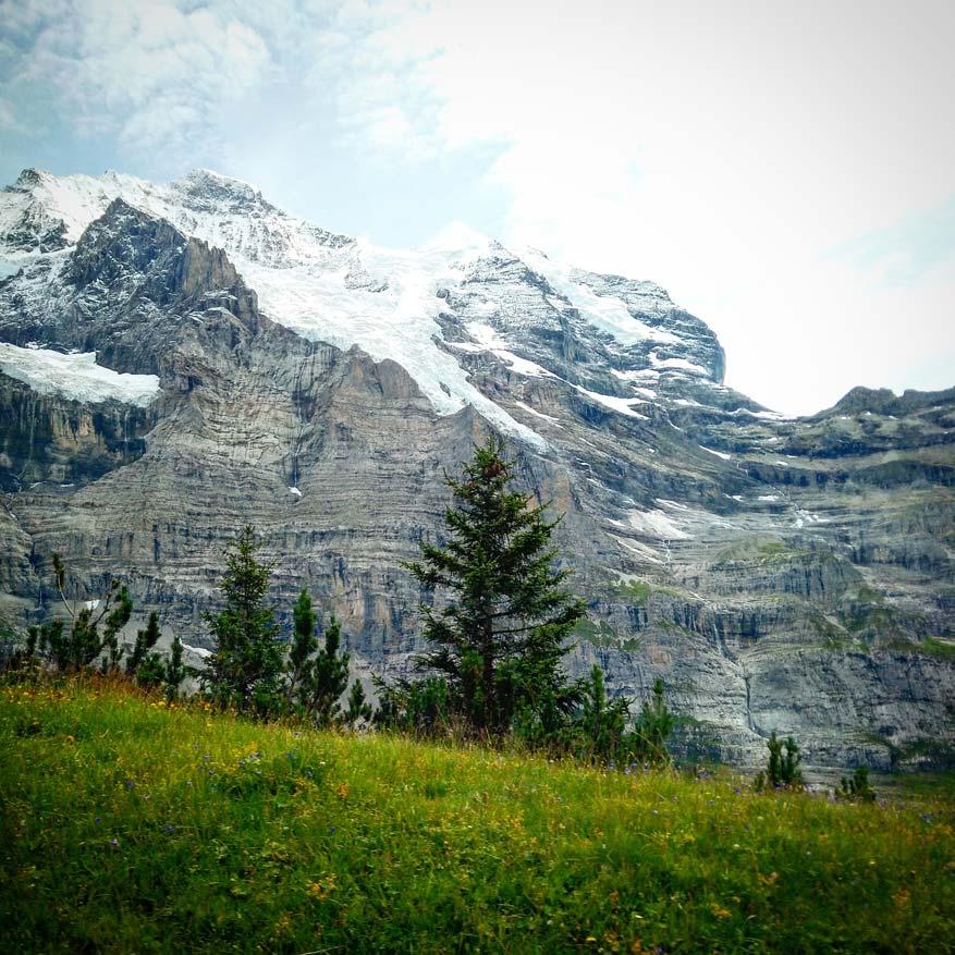 In First, Grindelwald stap je de ruige bergnatuur in die garant staat voor onvergetelijke ervaringen.