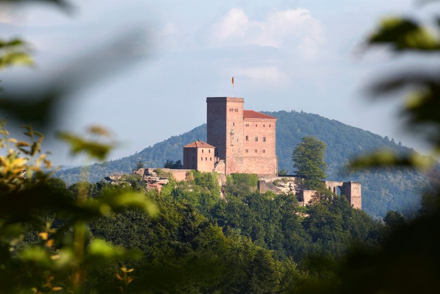 Burg Trifels waakt over de toegang tot het Pfälzerwoud. © Ulrich Pfeuffer - Rheinland-Pfalz Tourismus