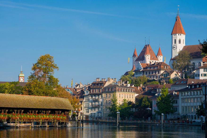 De burchten in Thun getuigen van een rijk verleden. © Toerisme Zwitserland