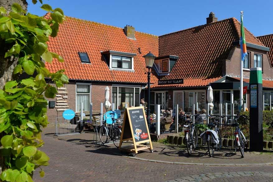 Hotel De Waal: overnachten tussen straffe juttersverhalen