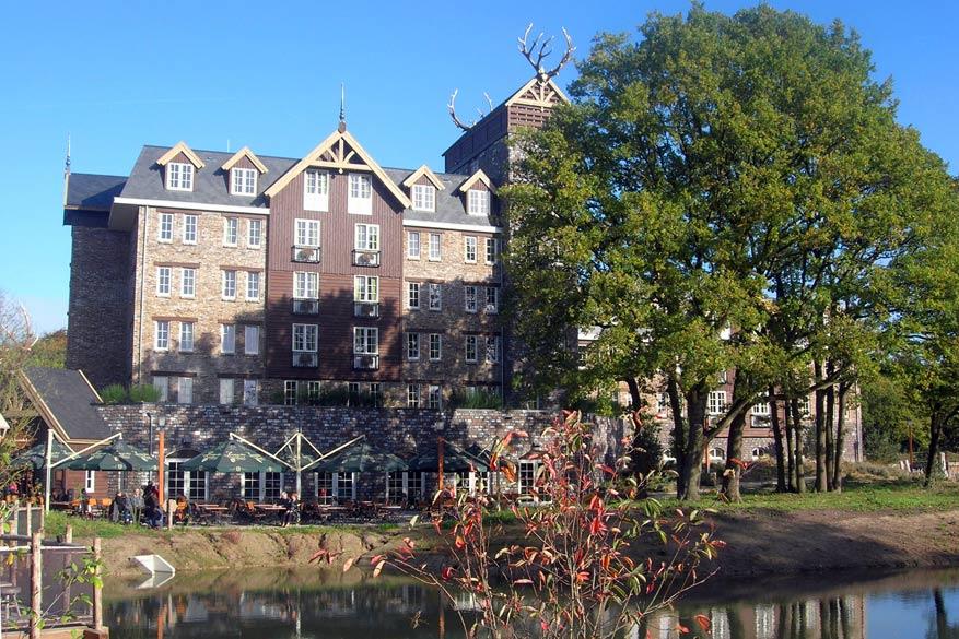 Overnachten doen we in het Hotel Het Loonsche Land, nieuw sinds mei 2017 in de Efteling.