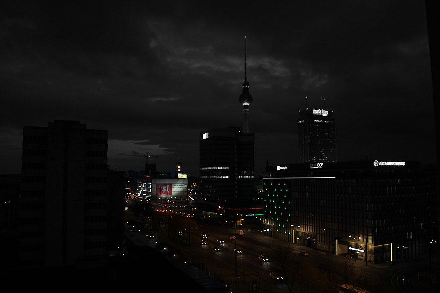 Berlijn alexanderplatz bij nacht