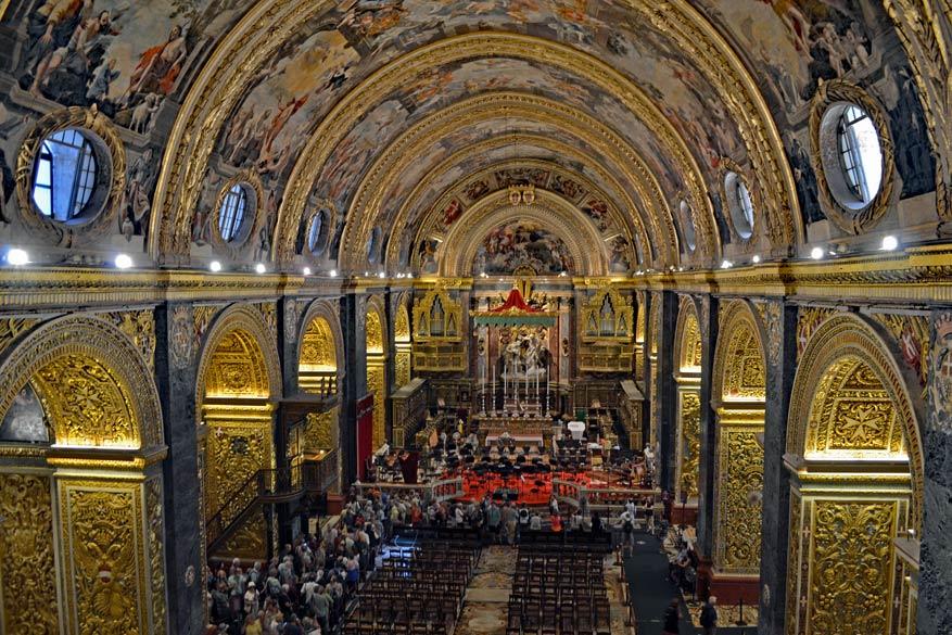 De magnifieke binnenkant van de Saint John's Co-Cathedral.