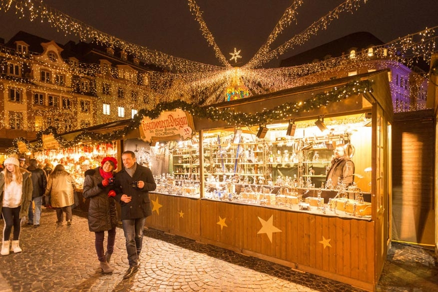 Kerst In Rijnland Palts Van Ondergrondse Kerstmarkt Tot Fakkelzwemmen