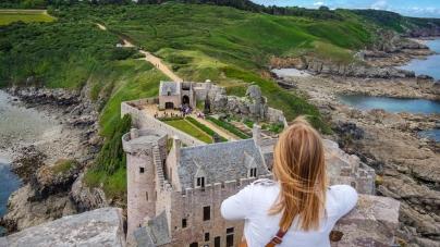 Bretagne doorkruist: uitwaaien langs ruige kusten en historische forten